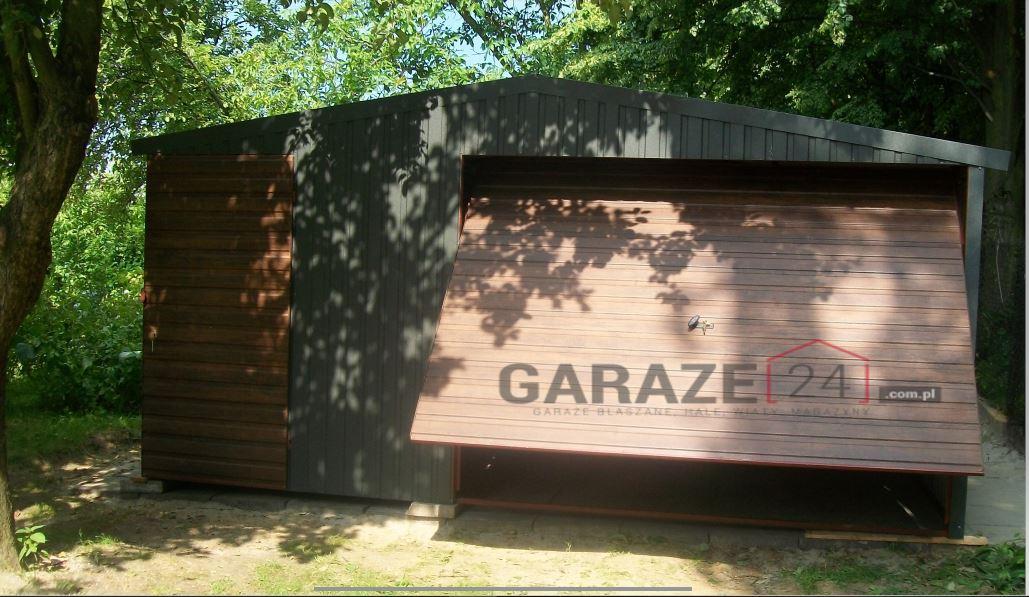 Plechová garáž 4,5×6 m – sedlová strecha, výklopná brána