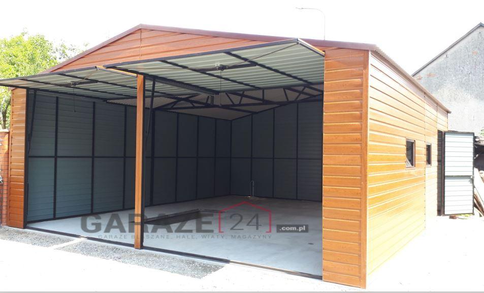 Plechová garáž 6,5×6,5 m, sedlová strecha, textúra dreva + dve výklopné brány