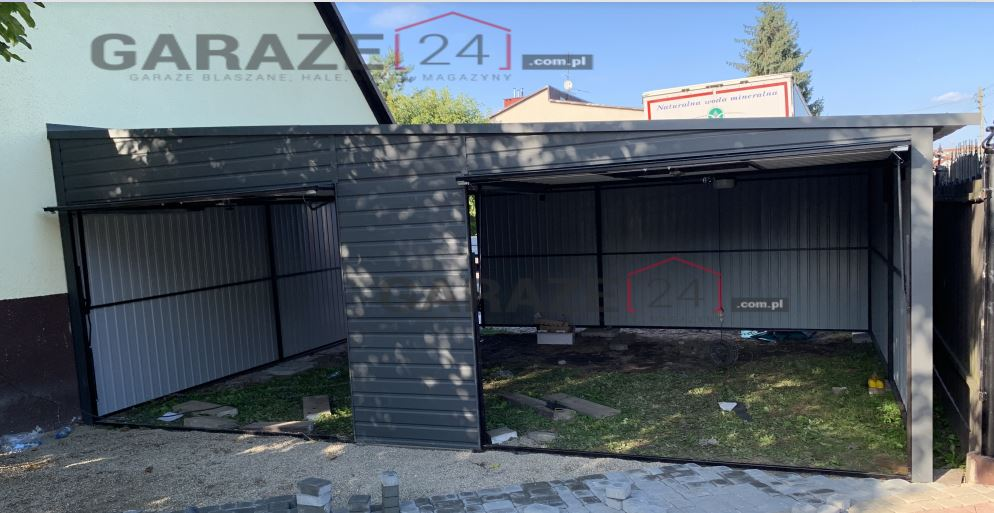 Plechová garáž 7×6 m, pultová strecha so spádom na pravú stranu, tmavosivá