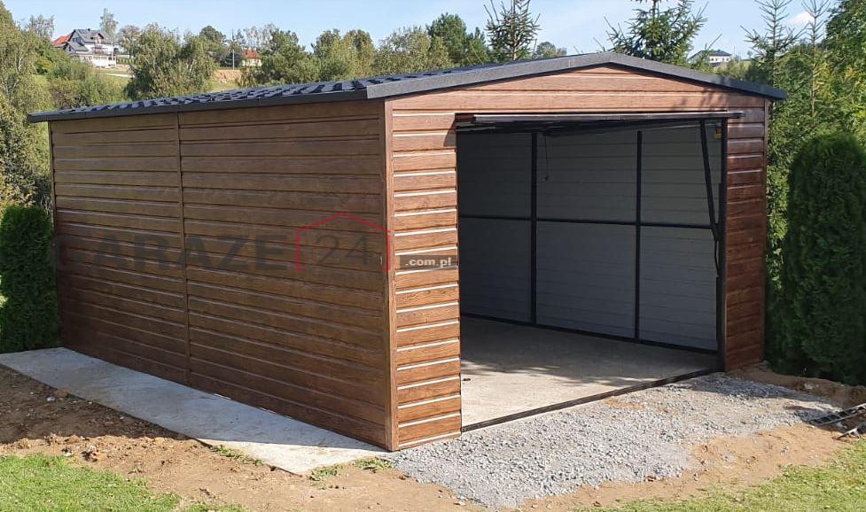 Plechový garáž 4×5 m, výklopná brána, textúra dreva
