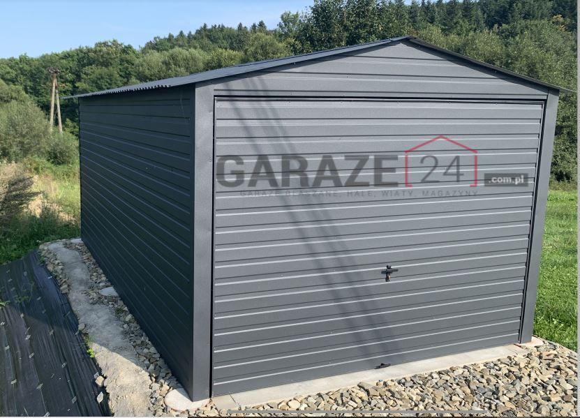 Plechová garáž 3×5 m, tmavohnedá + výklopná brána